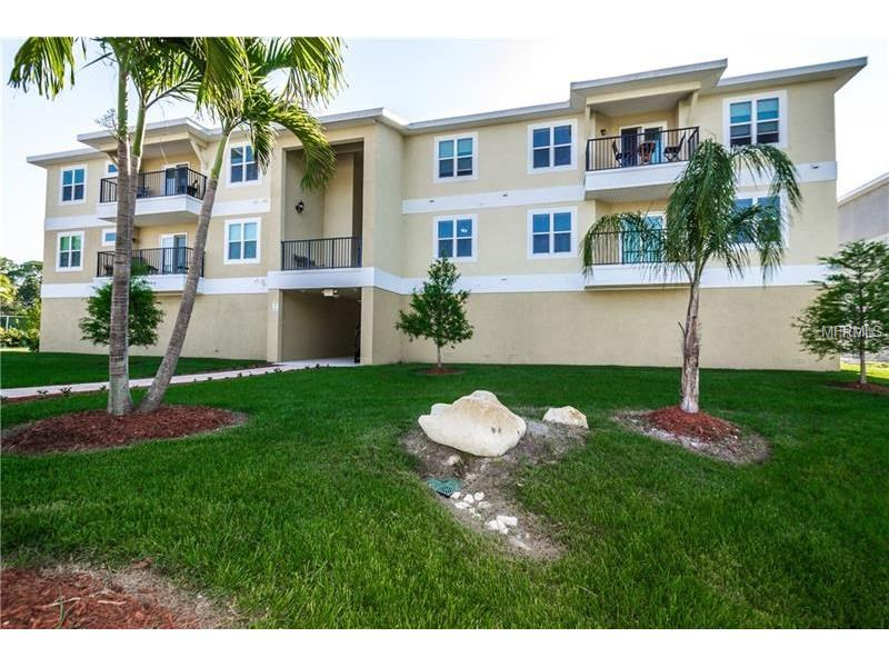 5064 Royal Palms Way #201