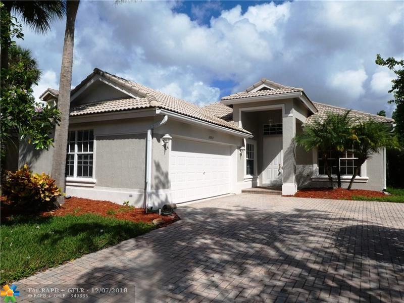 10917 NW 61 Ct
